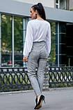 Жіночі ділові штани на високій талії. Картаті. Обтягуючі. Сірі, фото 2