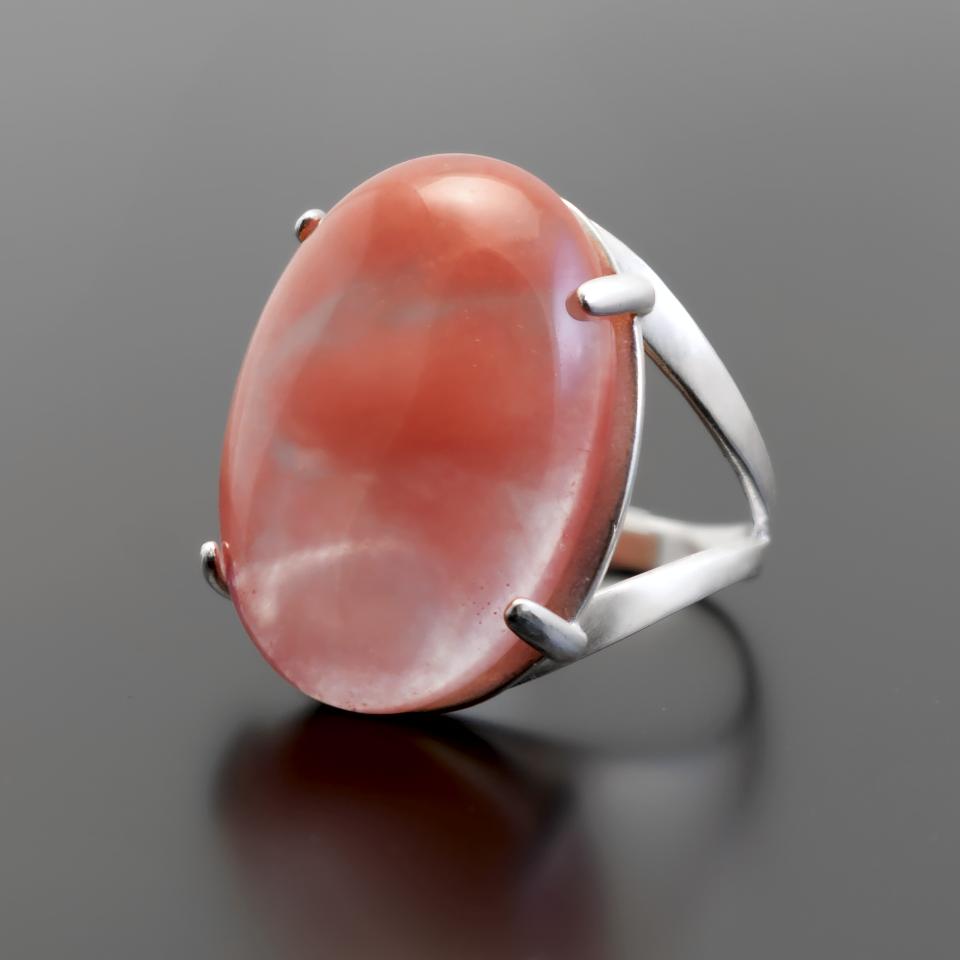 Серебряное кольцо с клубничным кварцем, 25*18 мм., 784КТ
