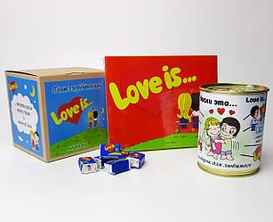 """Набор мужской  """"Love is"""" красный - печенье с предсказаниями, набор шоколада, консервированные носки, жвачки"""