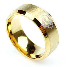 """Кольцо из нержавеющей стали """"Супермен"""", золотистое анодирование, 1190КЖ"""