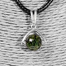 Серебряный кулон с зеленым турмалином верделит, Ø10 мм., 1247КЛТ
