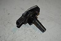 Датчик уровня масла двигателя Volkswagen (Фольксваген) 1J0907660