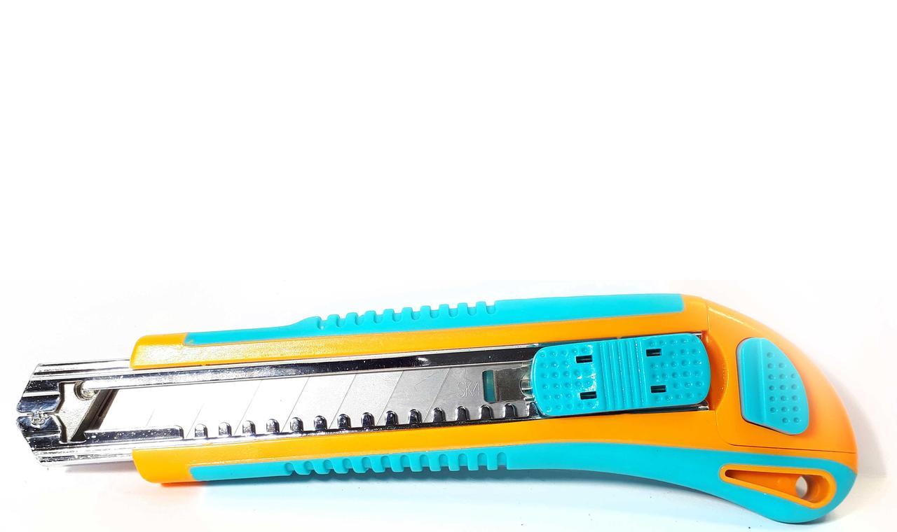 Нож строительный Центроинструмент, 18 мм (0212-3)