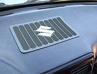 Липкий коврик в машину на торпеду, Suzuki удерживает предметы на панель приборов антискользящий