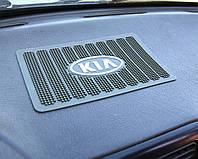 Липкий коврик в машину на торпеду, KIA удерживает предметы на панель приборов антискользящий