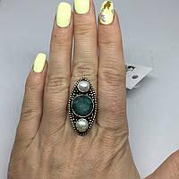 Изумруд жемчуг кольцо с камнями изумруд и жемчуг в серебре. Размер 17, фото 1