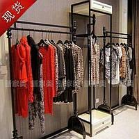 Пристенные торговые системы для продажи одежды
