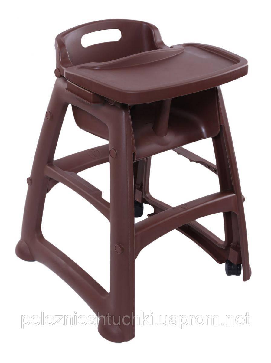 Детский стульчик для ресторана