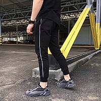 Спортивные штаны мужские черные с тонким белым лампасом от бренда ТУР модель Рейн (Rain), фото 1