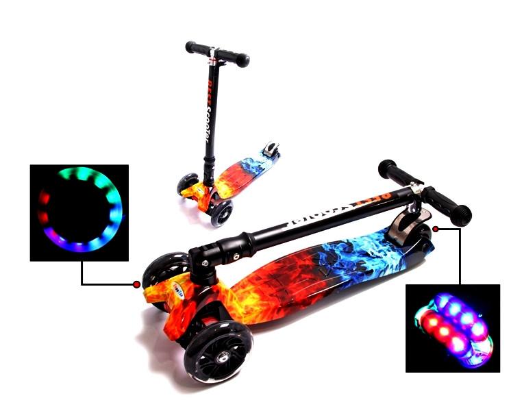 Детский трехколесный самокат Scooter MAXI со складным рулем, светящимися колесами и рисунком, Fire & ACE