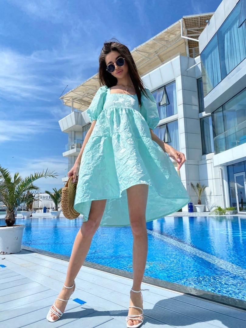 Свободное жаккардовое платье с квадратным вырезом и пышной юбкой tez71031343