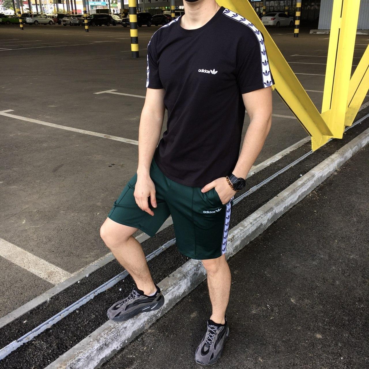 Летний комплект Адидас чёрная футболка мужская + зелёные шорты  S, M, L, XL