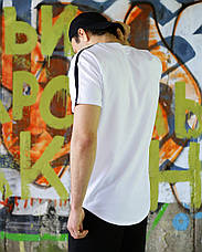 Футболка мужская белая удлиненная с лампасом Фриман (Freeman) от бренда ТУР размер XS, S, M, L, XL, фото 3