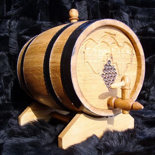 Бочка дубовая для вина, коньяка 10л для вина, коньяка, виски, рома