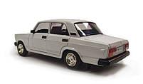 Модель ВАЗ 2107 Автопром, белая, фото 3