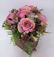 Композиция из искусственных цветов Волинські візерунки в деревянном кашпо (пудровая)