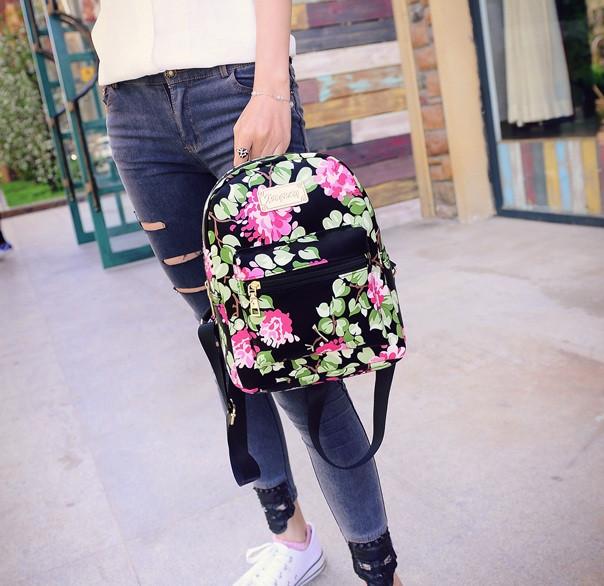 Дитячий рюкзак з квітами