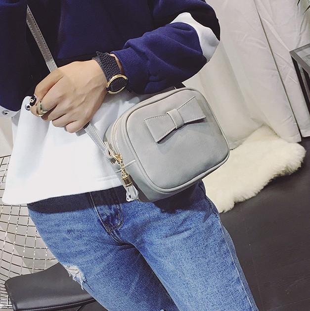 Міні-сумка з бантиком