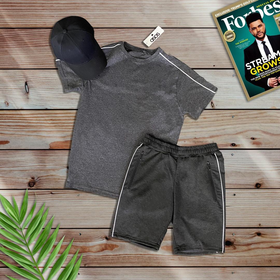 Мужской комплект футболка шорты серого цвета