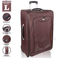 Вместительный чемодан на колесиках