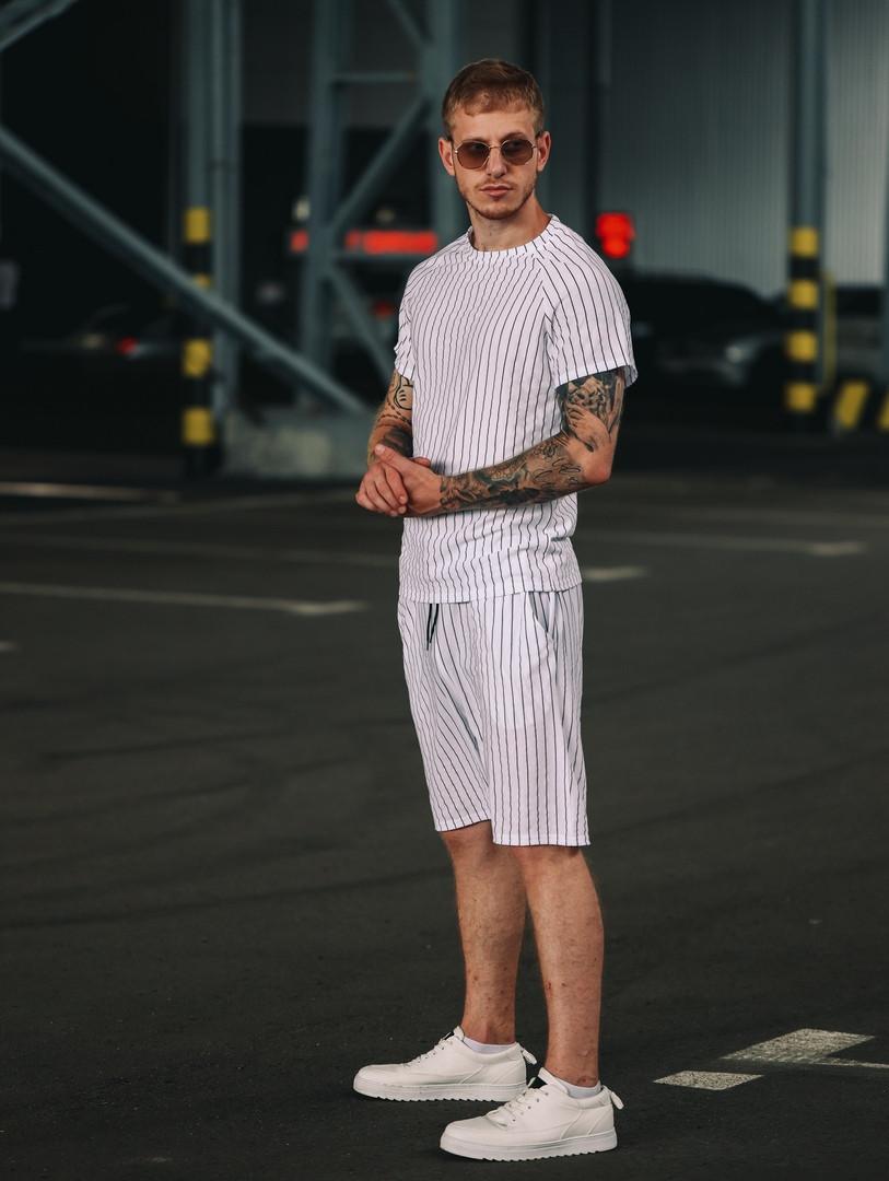 Мужской комплект футболка и шорты в полоску