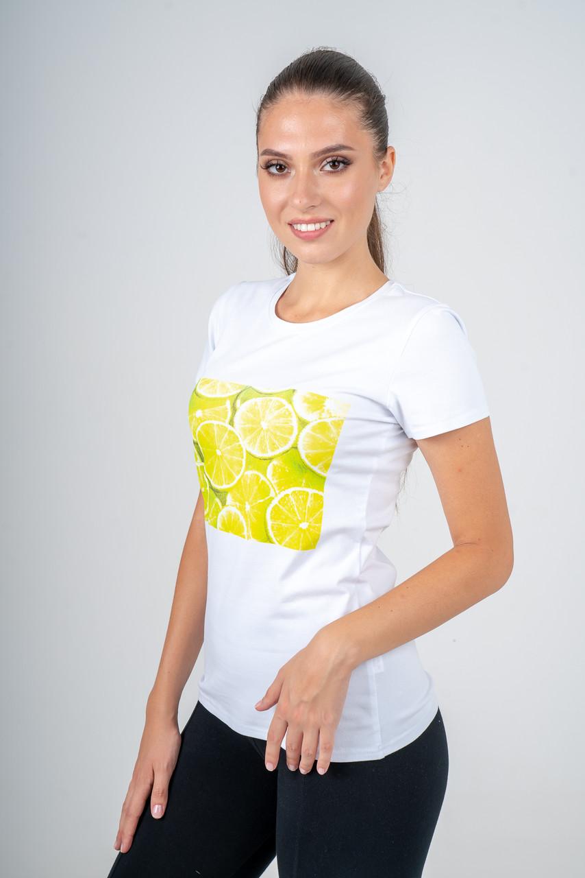 Футболка женская белая с желтым принтом из сочных лаймов