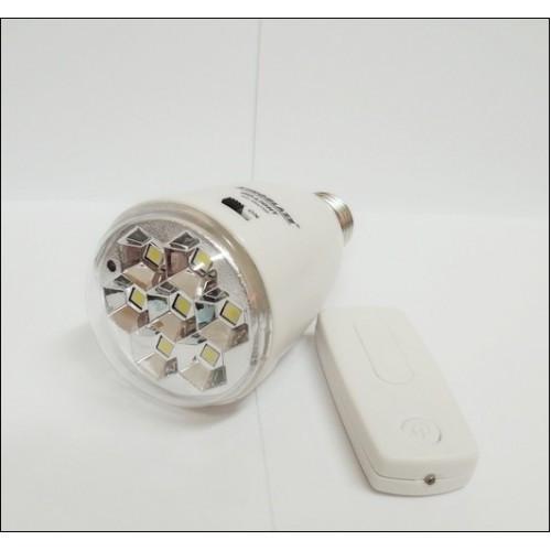 Мощная светодиодная лампа с аккумулятором и пультом