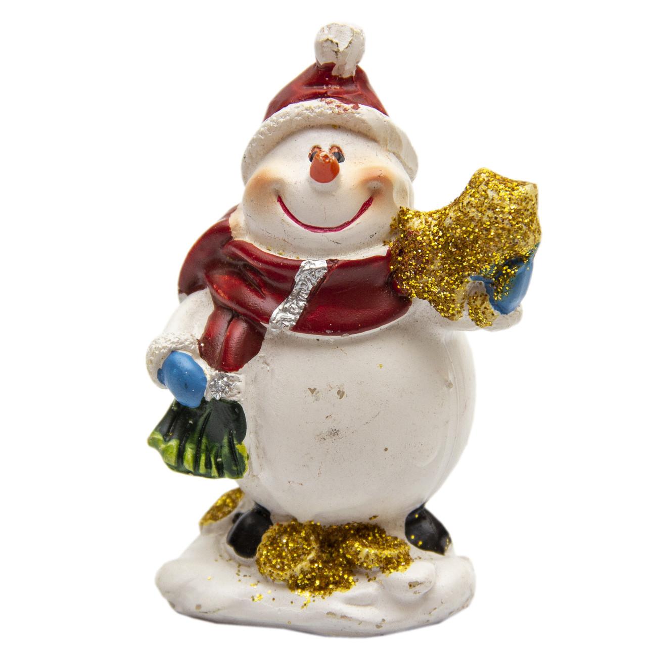 Фігурка сувенірна Сніговик з подарунком у лівій руці, 7 см (440504-1)