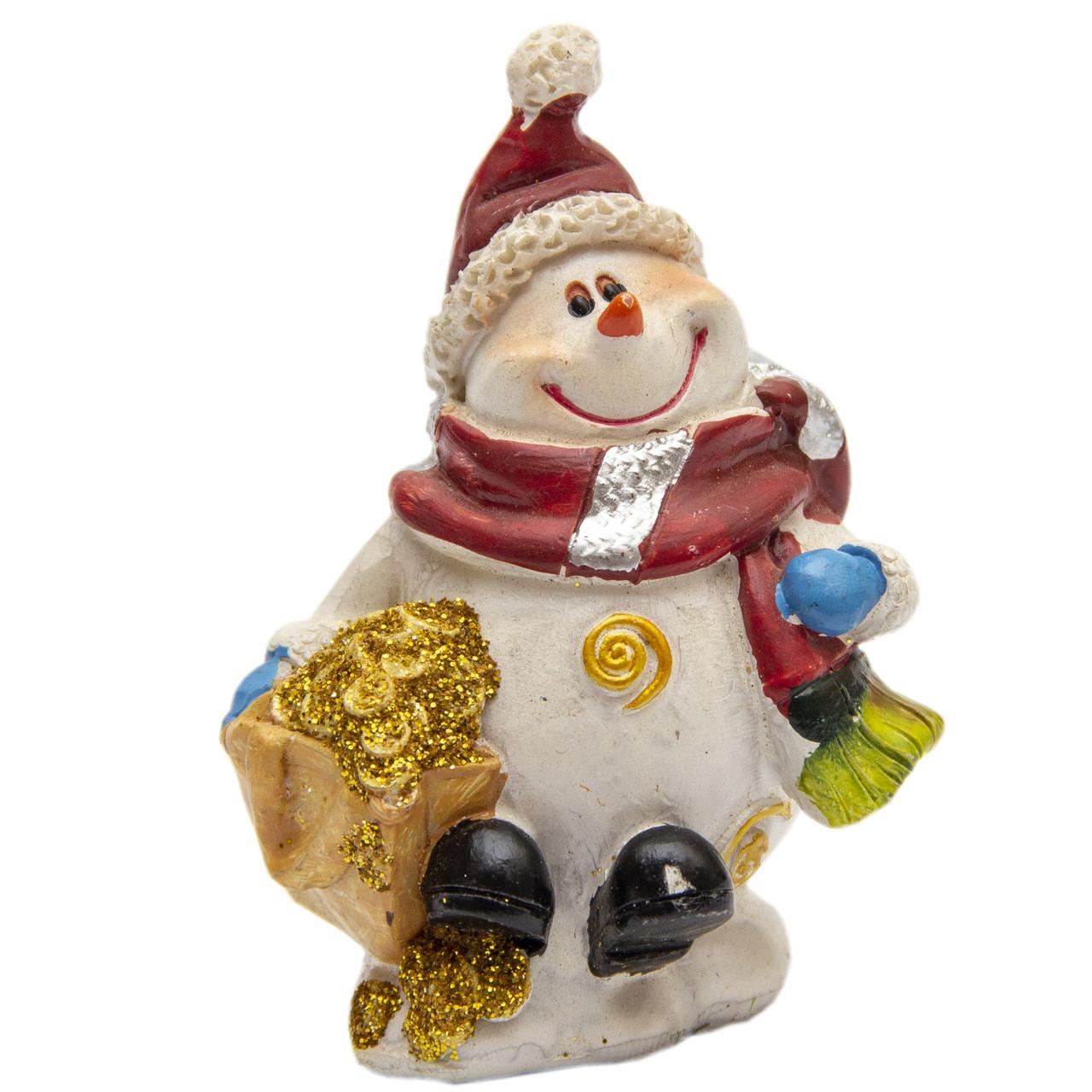 Фігурка сувенірна Сніговик з подарунком у правій руці, 7 см (440504-2)
