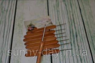 Крючок для вязания стальной с деревянной ручкой №1,5