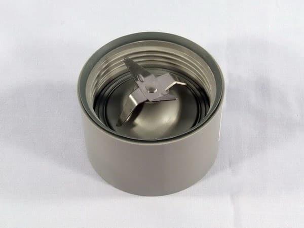 Нож с гайкой для блендерной чаши кухонного комбайна Kenwood, kw712199
