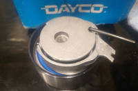 Ролик натяжной ремня ГРМ DAYCO 4694229DE Chrysler Voyager own & Country Sebring Stratus Cirrus Breeze