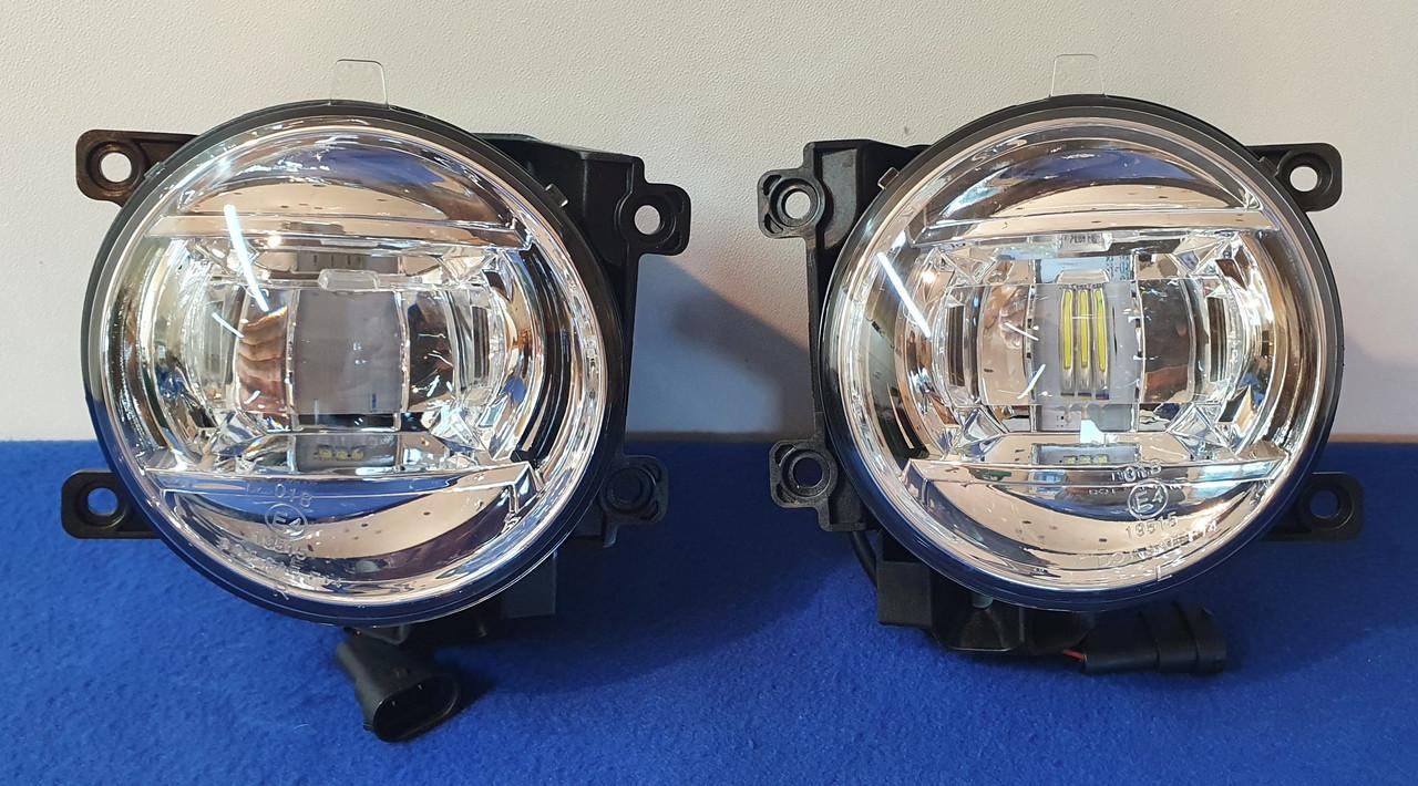 Противотуманные LED фары на Toyota Land Cruiser 200