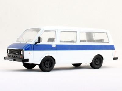 """Автолегенды №74 РАФ-22038 """"Латвия"""" белый с синим   Коллекционная модель 1:43   DeAgostini"""