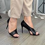 Босоножки женские кожаные на шпильке, цвет черный, фото 6
