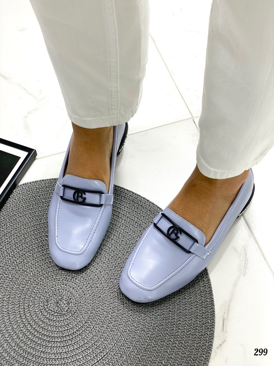 Голубые женские туфли