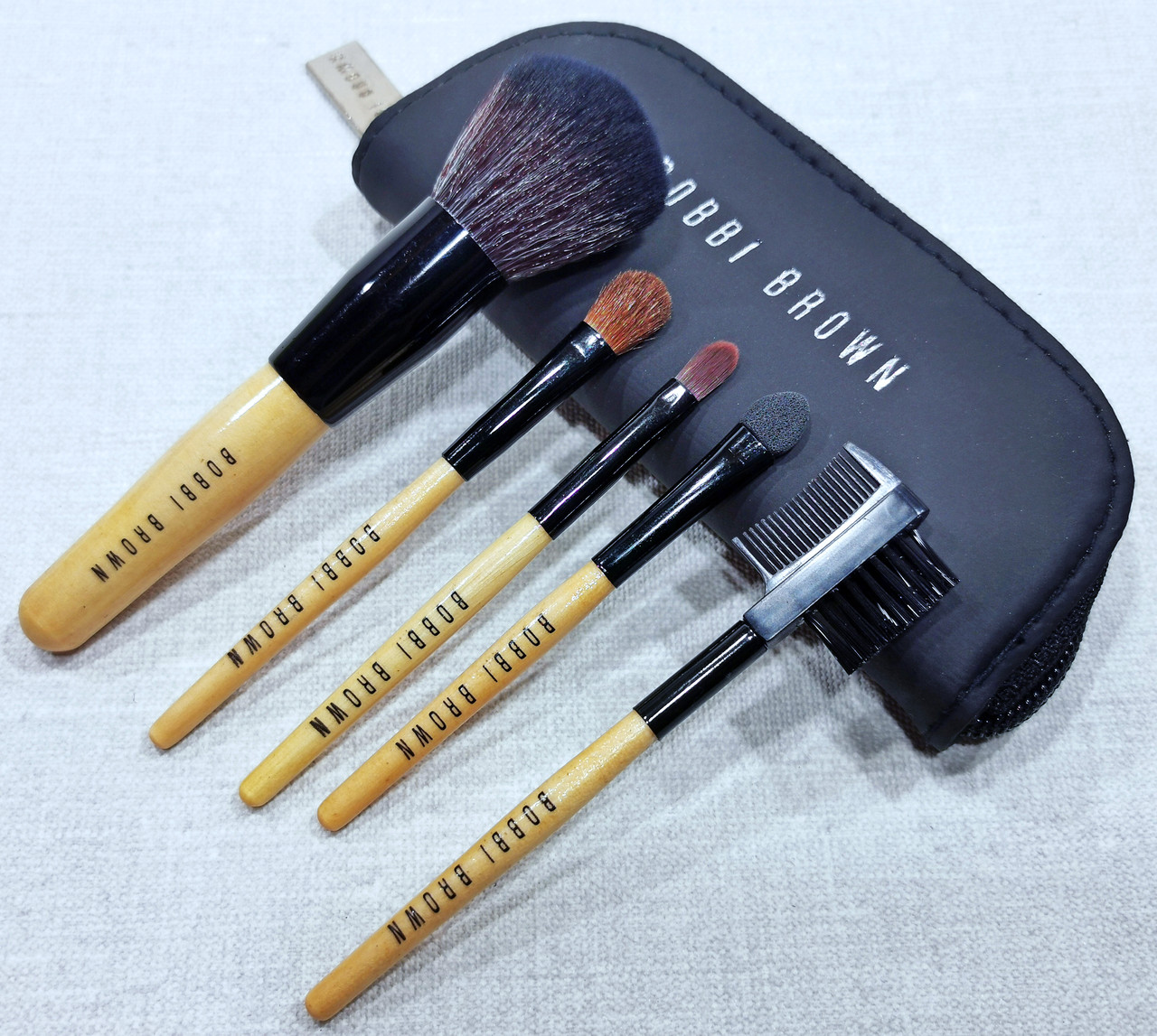 Набор кистей для макияжа Bobbi Brown 5 / Кисти Бобби Браун 5 в кошельке