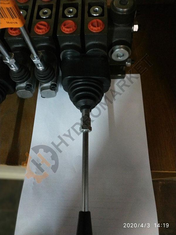 Джойстик на секционный гидрораспределитель PC100 механический