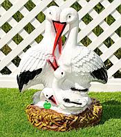 Садовая фигура Семейка аистов в гнезде