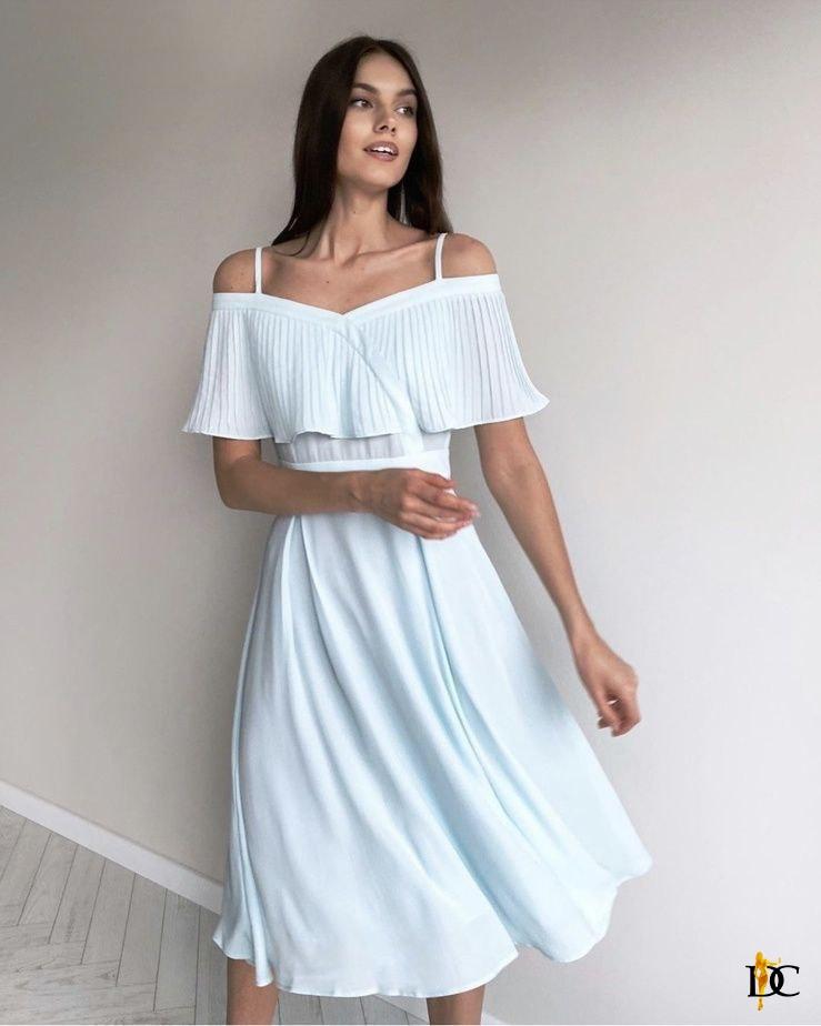 Летнее платье с расклешенной юбкой и воланом на груди 31py1457