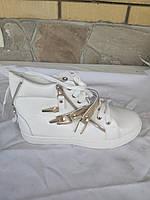 Ботинки, кроссовки,   женские(подростковые) осенне-весенне-летние (с дефектом, поломана застежка) DESUN