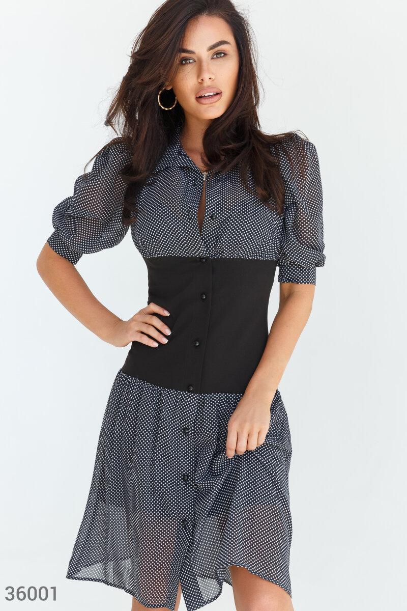 Приталена сукня-сорочка в горошок