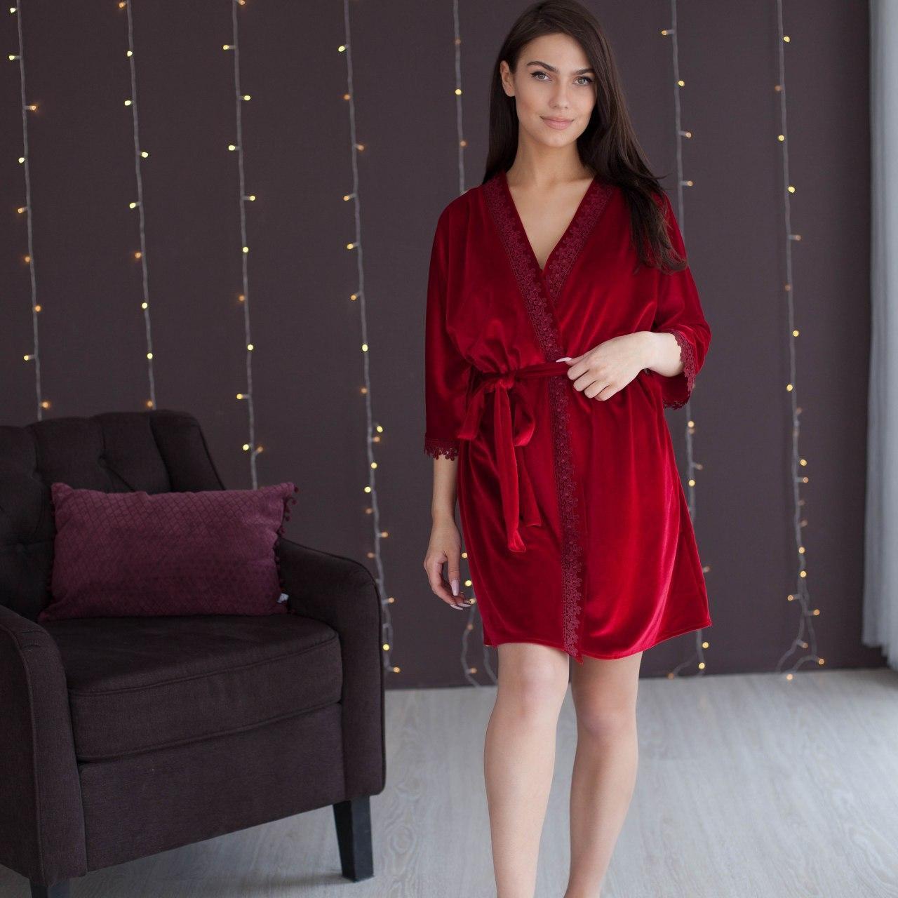 Халат жіночий Червоний оксамитовий з ремінцем