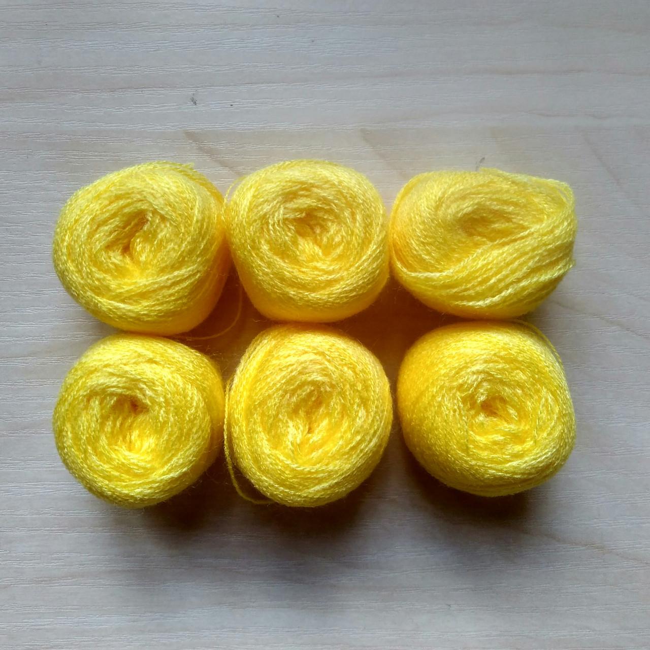 Нитки акриловые цвет темно желтый - 5 грн моток