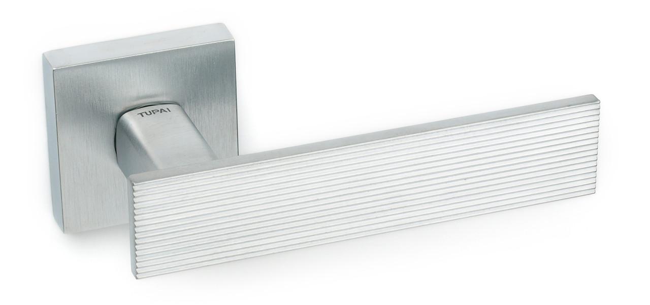 Дверна ручка Tupai 3042 Q /96 хром матовий