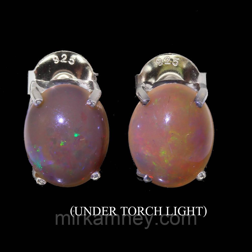 Сережки гвоздики, натуральний природний Опал (Ефіопія) 10*8ММ. Срібло 925 в позолоті 14 карат.