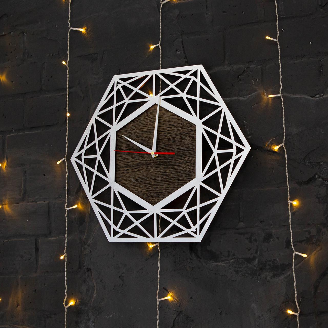 Часы с дизайнерские с ефектом серебра
