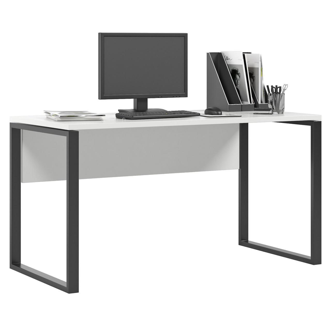 Комп'ютерний стіл Метр з чорними опорами