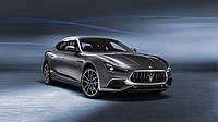 Maserati представила гібридний седан Ghibli