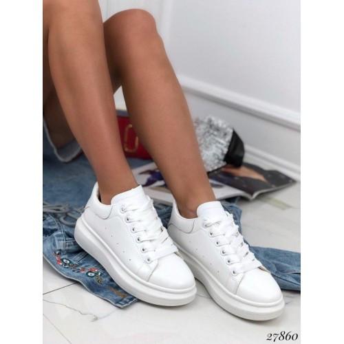 Белые кроссовки McQueen